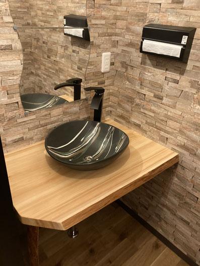 滋賀県産材木を使った洗面台